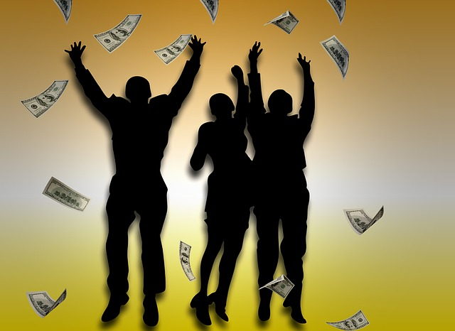 海外でATMから現金を引き出す方法と注意点とは?